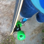 Longboard fahren (hier kurz tragen)