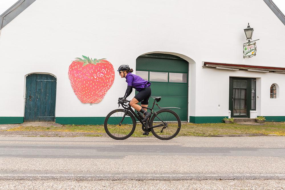 paris-soupless-rose-biketown-4050